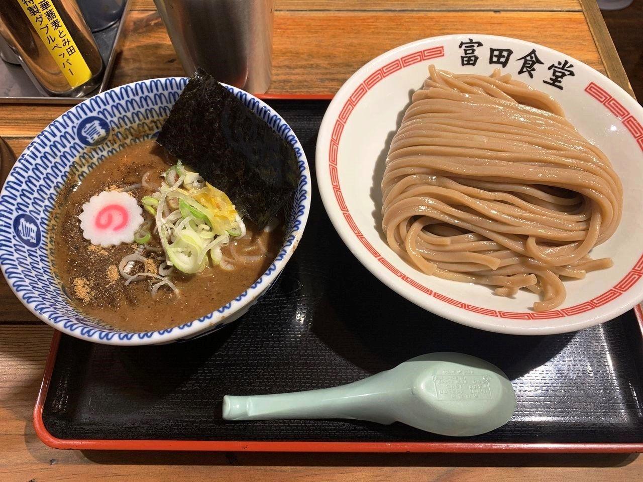【松戸市食べ歩きブログ】あの有名な「松戸中華そば 富田食堂」へ