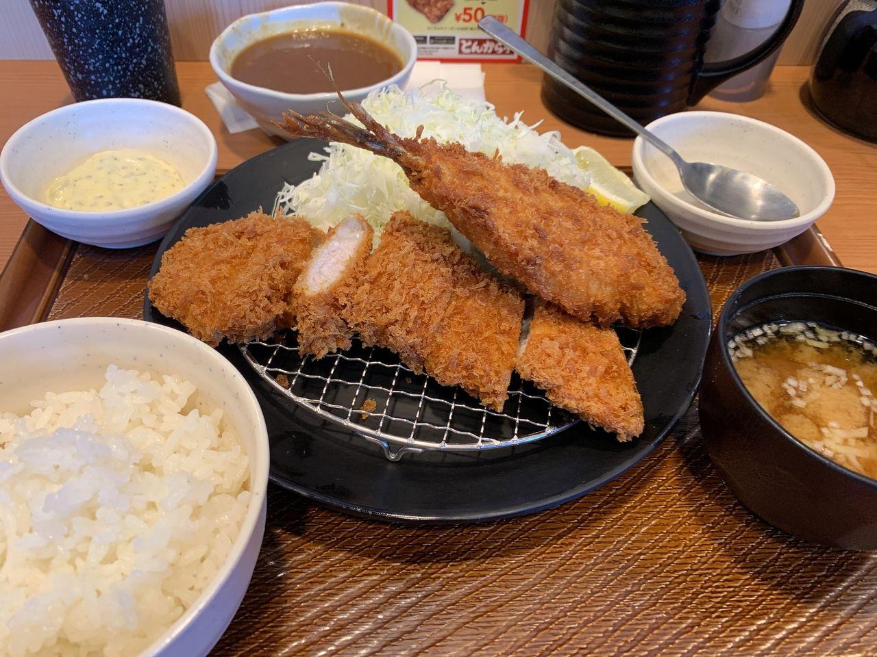 【三郷市食べ歩きブログ】カレーかけ放題!?とんから亭三郷彦成店へ行ってみた!