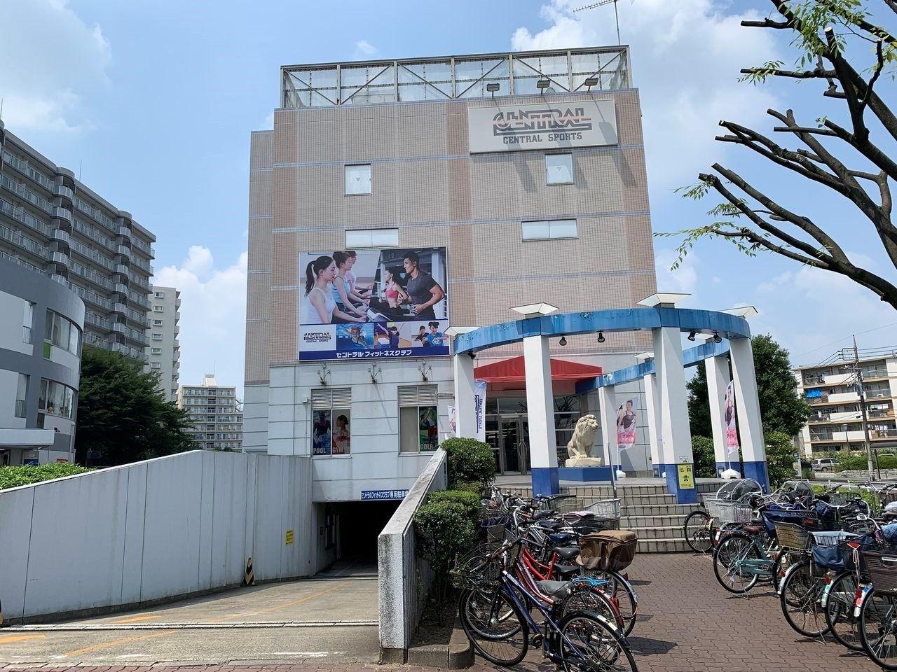 三郷市さつき平2-1-1 ジム・プール・スタジオ・サウナなど充実しています
