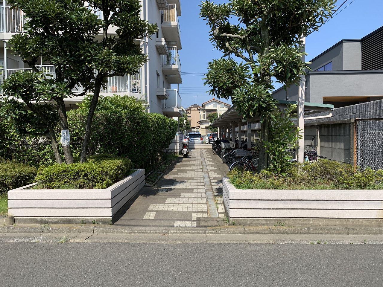 グリーンパーク三郷早稲田の駐輪場
